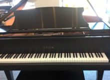 Used Parlor Grand piano in Ebony satin