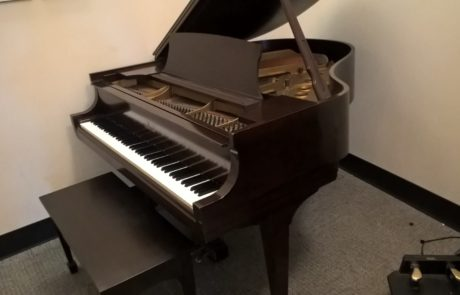 Used Original Steinway Baby grand piano in Mahogany