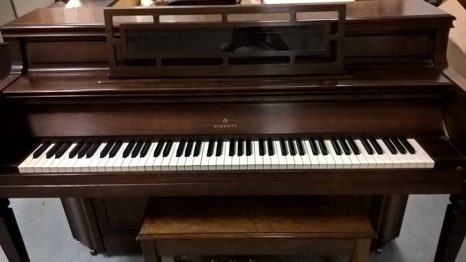 Used Everett Console Piano