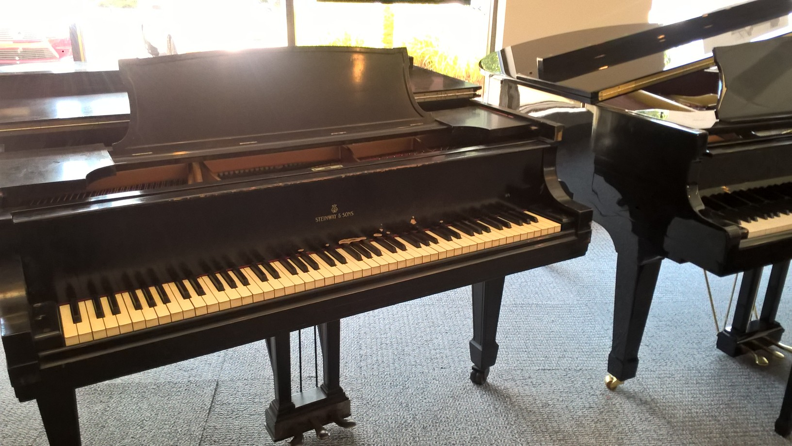 Steinway & Sons Used Model L Grand Piano